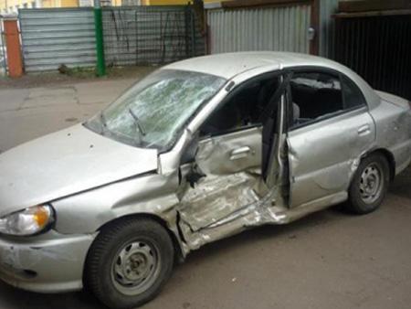 Битый автомобиль