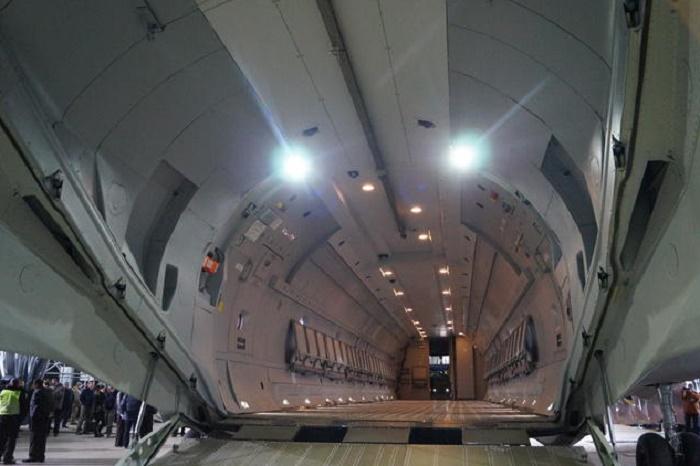 Грузовой отсек самолета АН-132D
