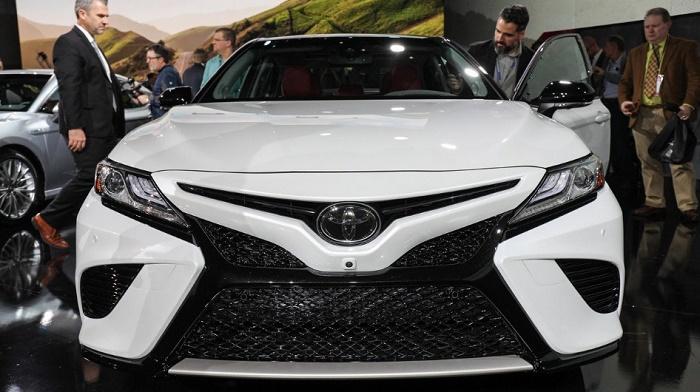 Новая Camry от Toyota. Вид спереди