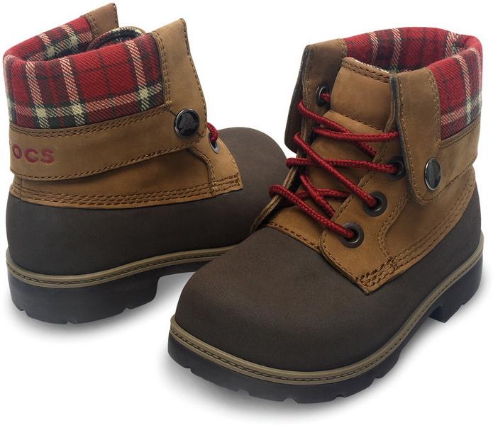Советы по выбору ботинок для мальчика