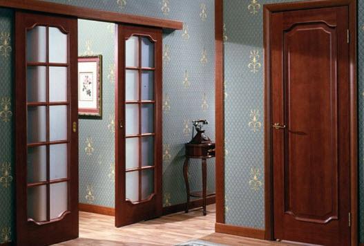 Красивые новые двери украшают интерьер жилища