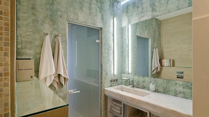Чем отделать ванную комнату кроме плитки:  декоративная штукатурка