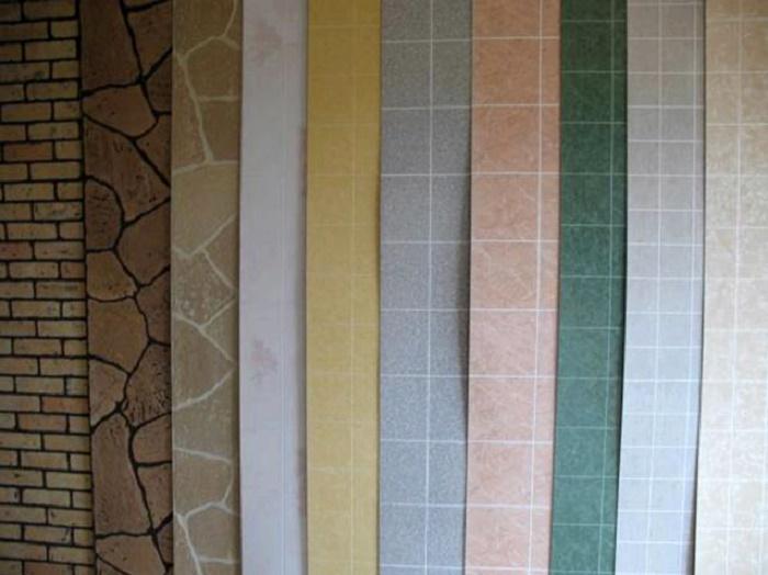 Чем отделать ванную комнату кроме плитки:  пластиковые панели